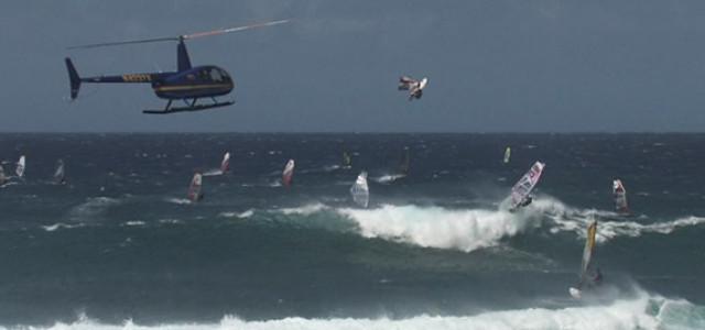 Flugshow at Ho'okipa  Beach