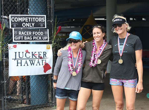 Ladies-winner-paddleIMUA-2015
